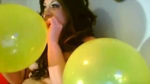Delicia D Anjelo s Sexy Nakid Balloon Poppin Clip