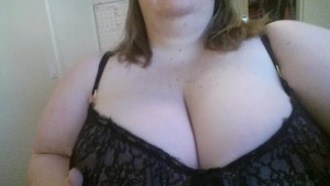 Quick mouth and tit tease