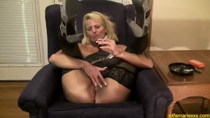 Blonde Milf Mature Smoking Facefucking CumSlut