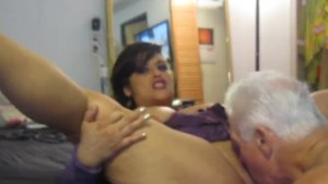 latina suckin dick and cumming
