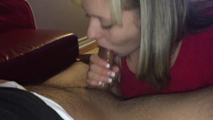 Teen Nympho Swallows after blowjob. High Definition!