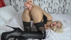 Huge Anal gape Deep dildo fucking Leather fetish (Helena Moeller)